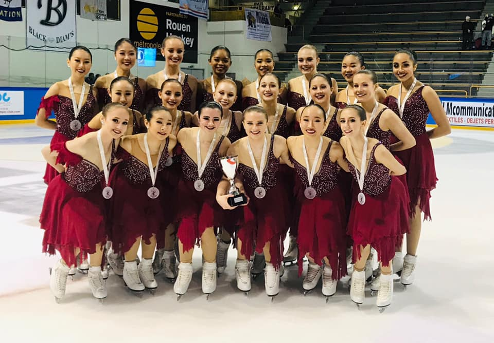 The 2018-19 Skyliners junior line won silver as Team USA 1 at the 2019 ISU Mozart Cup in Salzburg, Austria. The line won gold at the 2018 Glacier Falls Synchro Classic in Anaheim, CA and 2018 Dr. Richard Porter Synchro Classic in Ann Arbor, MI. Skyliners Junior will represent US Figure Skating as Team USA at the French Cup in Rouen, France in early February. They are defending national champions and 2018 ISU World Synchronized Skating silver medalists.